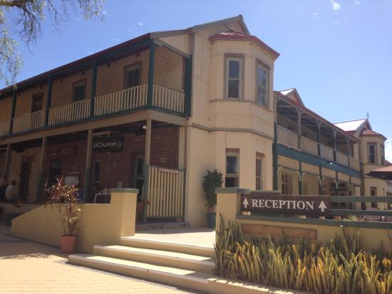 Dongara, Australia: The hotel from the bar end