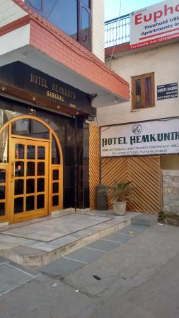 Hemkunth Resorts