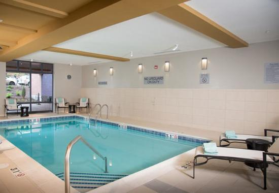 Indoor Pool Picture Of Courtyard Portland Downtown Waterfront Portland Tripadvisor