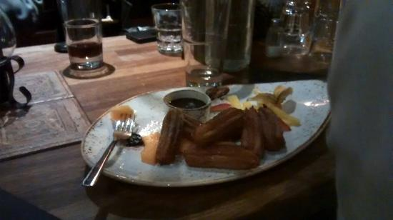 Delicious food and deserts the place is very cosy the for Kiila food bar 00100 kalevankatu 1 helsinki suomi