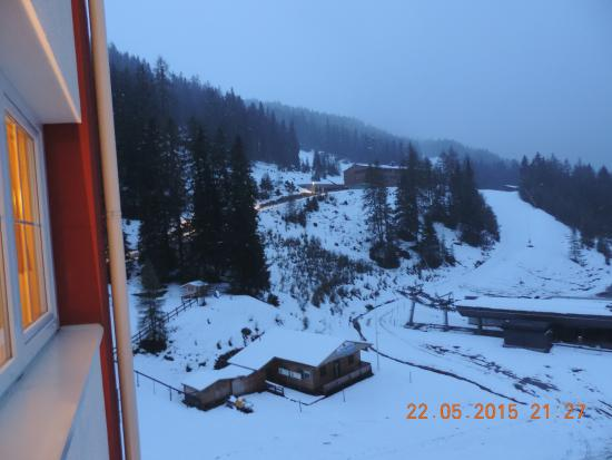 Axams, Austria: Area around the hotel as seen from the room