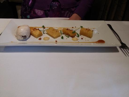 Roasted spiced pineapple, rum & raisin ice cream - Picture of Edmunds ...
