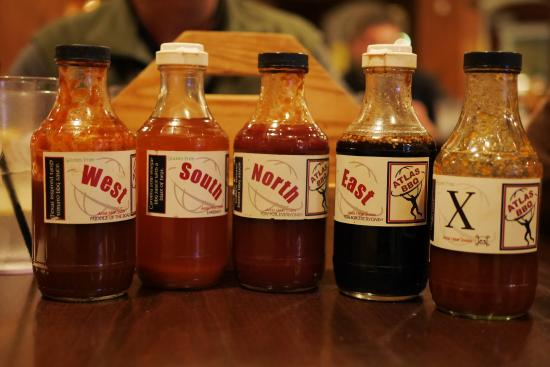 Grafton, WI: Every table has a selection of sauces, from sweet to hot