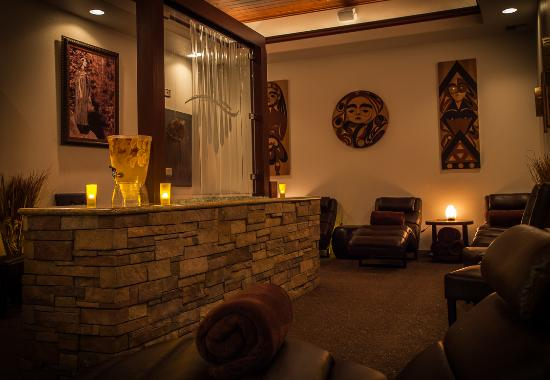 Shelton, WA: Seven Inlets Spa Water Feature in Mediation Room