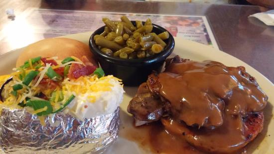 Hot Springs Village, AR: smothered beef patty