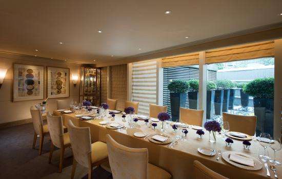 Brasserie on the eighth at conrad hong kong hong kong for Best private dining rooms hong kong