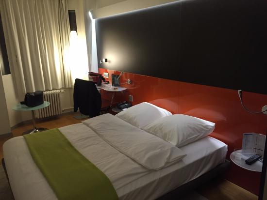 Our room picture of design hotel f6 geneva tripadvisor for Design hotel f6 geneva tripadvisor