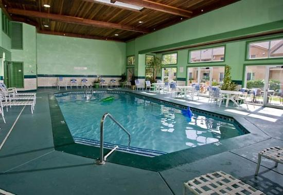 indoor pool picture of courtyard by marriott lansing