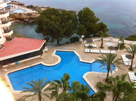 Lovely view from our room of the pool and santa ponsa bay for Aparthotel jardin del mar santa ponsa