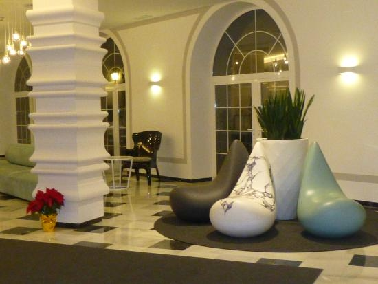 Lobby 7 picture of monte triana hotel seville tripadvisor - Hotel monte triana seville ...