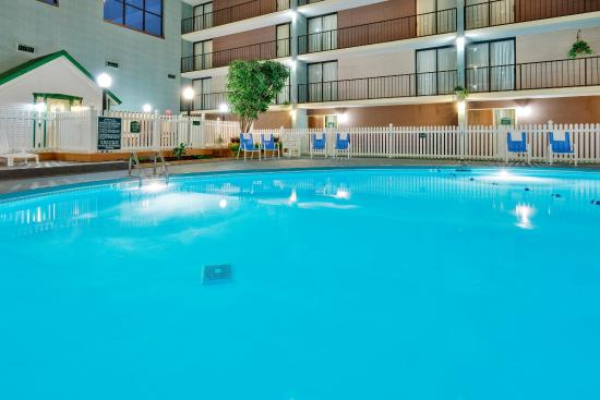 Auburn, NY: Make a splash  in our indoor pool