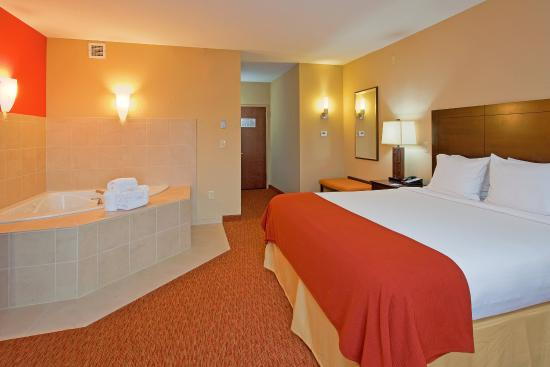 King Bedroom Suite With Jacuzzi Tub Picture Of Holiday Inn Express Suites Chattanooga