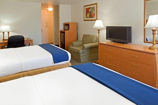 Columbus, TX: Double Bed Guest Room