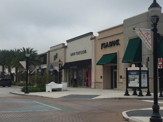 Great Strores For Men And Women Picture Of The Shops At Pembroke Gardens Pembroke Pines