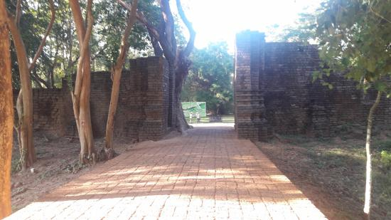 Bild - Picture of Si Satchanalai Historical Park ...