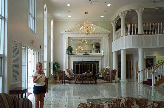 gorgeous foyer picture of cumberland inn and museum. Black Bedroom Furniture Sets. Home Design Ideas