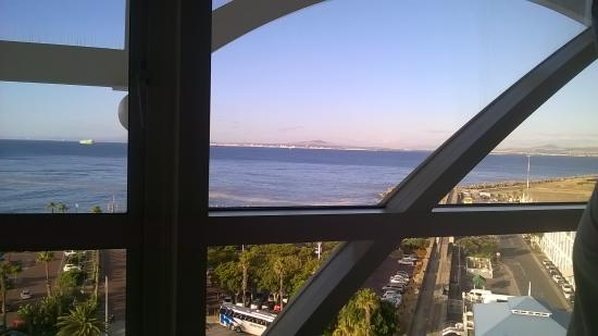 View picture of the table bay hotel cape town central for Table bay hotel quay 6