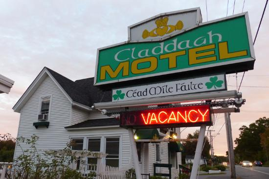 Fr Hst Ckszone Picture Of Claddagh Motel Suites