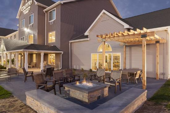 Exterior Picture Of Country Inn Suites By Carlson Ames IA Ames T
