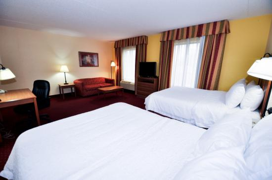 2 Queen Bedroom Studio Picture Of Hampton Inn Suites Louisville East Jeffersontown