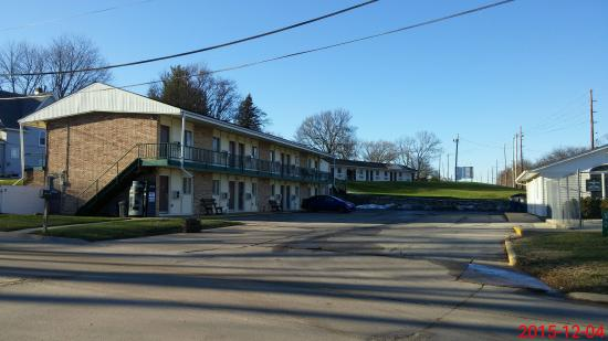 Charles City, IA: Buildings 2 and 3