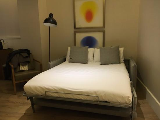 Derde bed op de kamer picture of h10 cubik barcelona tripadvisor - Bed kamer ...