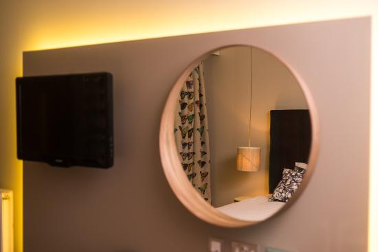Monkton Combe, UK: in room design