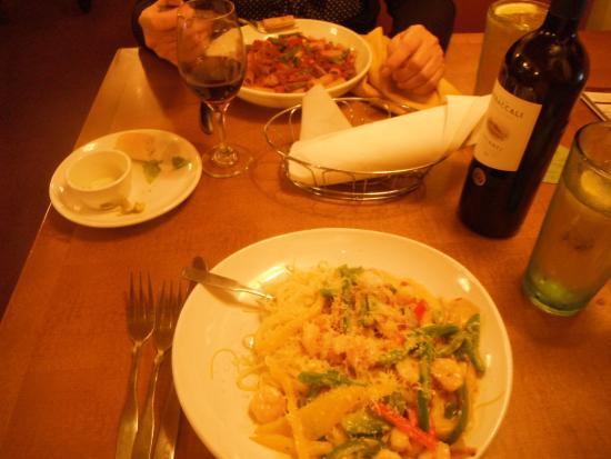 Linguini Pasta And Shrimps Picture Of Olive Garden