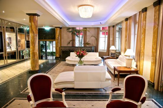 Lobby picture of carlton lausanne boutique hotel for Boutique hotel suisse