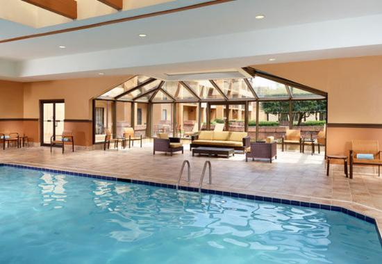 Indoor Pool Picture Of Courtyard Atlanta Airport South College Park Tripadvisor