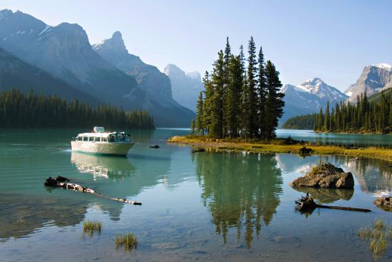 Maligne Lake Tours