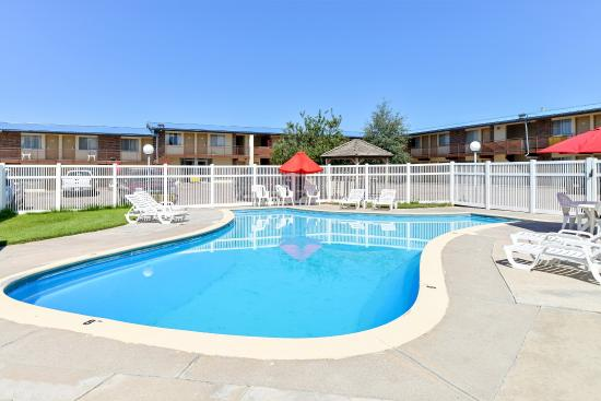 Brush, CO: Outdoor pool