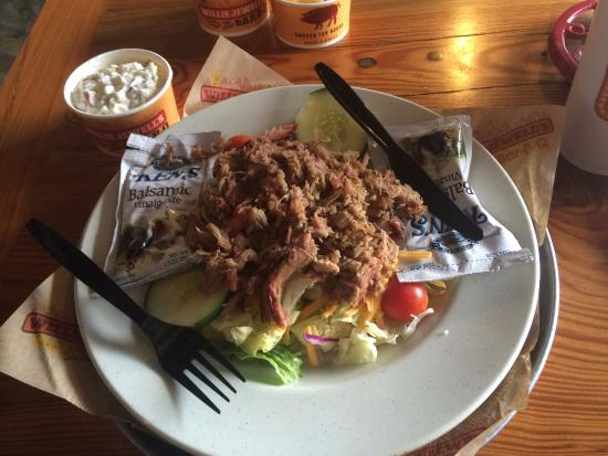 Yulee, FL: Miss Jewel's Salad...with a PILE of pulled pork!