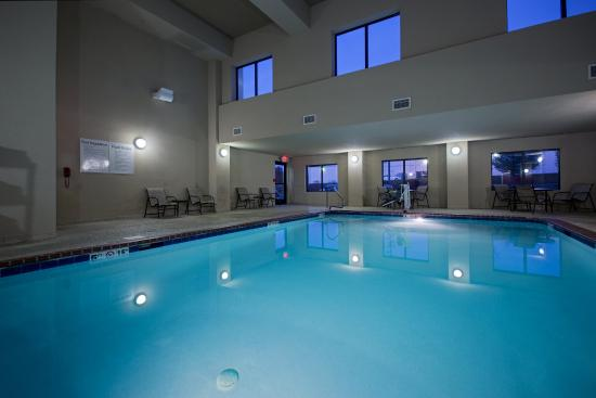 Holiday Inn Express Hotel & Suites Lewisburg: Swimming Pool