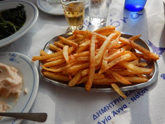 Agia Anna, Greece: This is how the potatoes are served