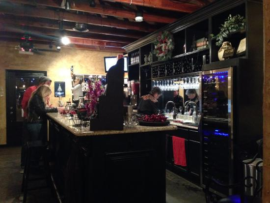 Valley View, TX: The tasting room. Lovely atmosphere.