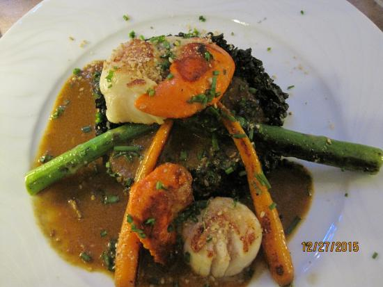 grilled scallops over squid ink risotto with asparagus and carrot picture of cuisine chic. Black Bedroom Furniture Sets. Home Design Ideas
