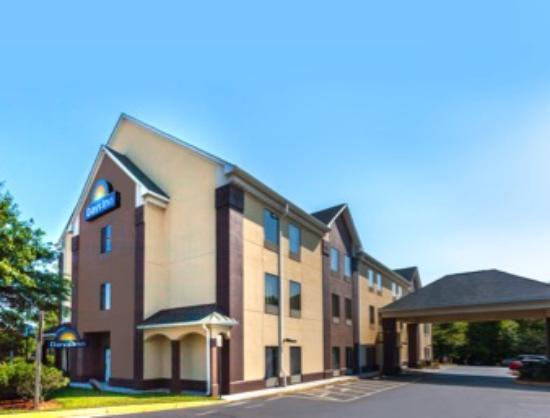Days Inn Manassas: Exterior
