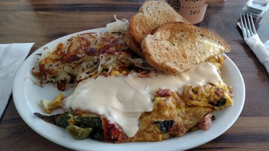Apple Valley, CA: Colorado Omelette, Not Bad But Skip the Cheese