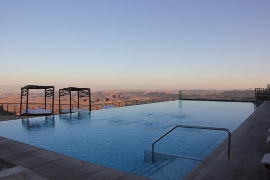 Beresheet Hotel by Isrotel Exclusive Collection: Infinity pool