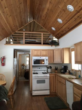 Crescent Lake, OR: Inside the smallest Chalet