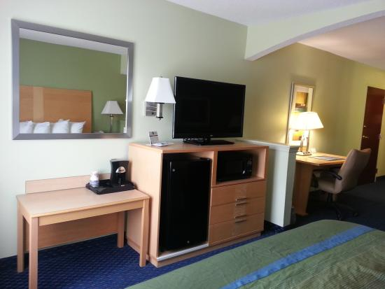 Albany Mall Inn & Suites