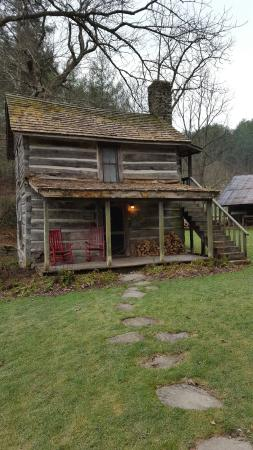Valle Crucis, NC: Our stay at The Mast Farm Inn