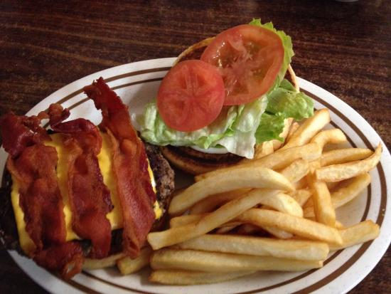Perry, FL: Bacon Cheeseburger