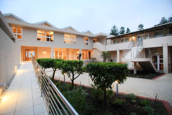 Abalone Guest Lodge