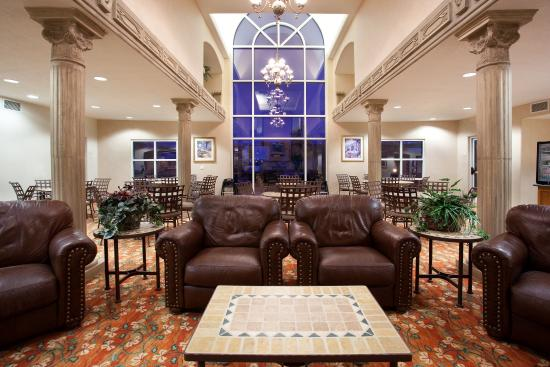 Belen, NM: Relax and watch some TV in our Great room