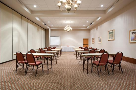 Belen, NM: Add comfort and class to any meeting in one of our Break-out Rooms