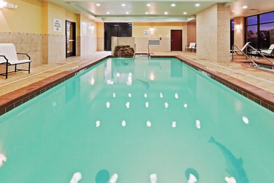 Hotel Rooms In Oklahoma City With Swimming Pool