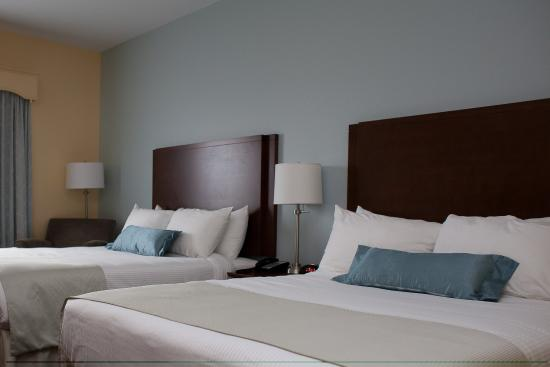 Liverpool, Canada: Two Queen Beds