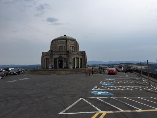 Corbett, OR: Vista House - Outside